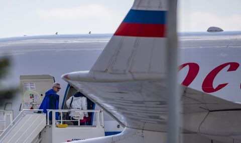 Десетки руски дипломати напуснаха Чехия