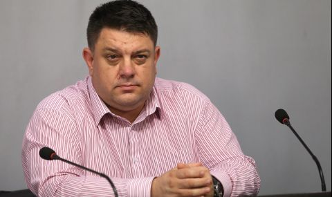 Атанас Зафиров към Борисов: Използвате кризата и рискувате здравето на хората