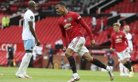 Талант на Манчестър Юнайтед си избра легендарен номер