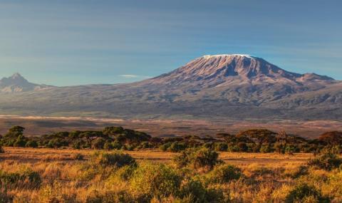 89-годишна изкачи два пъти Килиманджаро