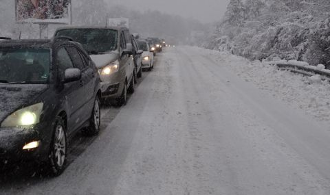 Бесен тираджия едва не прегази шеф на областно пътно управление