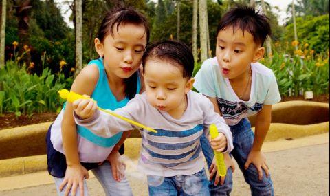 Китайските семейства вече имат право на до три деца
