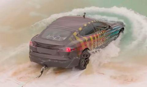 Блогър реши да кара най-бързата Tesla под вода. Какво се случи? (ВИДЕО) - 1