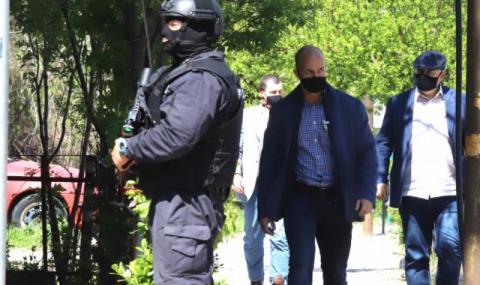 Освободиха единия от обвиняемите за побоя над журналиста Слави Ангелов