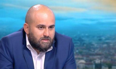 Мартин Табаков за ФАКТИ: Обречени сме на конфликта между САЩ и Китай - 1