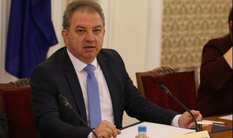 Борис Ячев: Здравният министър назначи жена на над 75 години за личен съветник, а Кантарджиев пенсионира