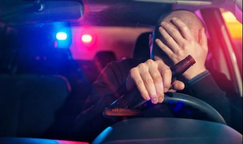Хванаха пиян кмет зад волана