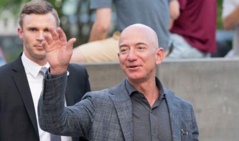 Джеф Безос напуска ключовия си пост в Amazon