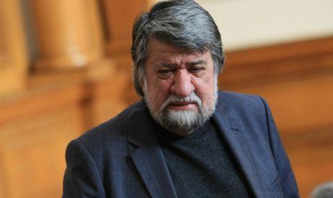 Вежди Рашидов се отказва от парламента