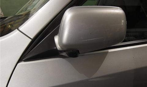Защо не е нужно да сгъвате огледалата за обратно виждане на паркинг