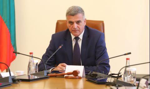 Стефан Янев обясни какви решения са взели във връзка с нашествието на мигранти - 1