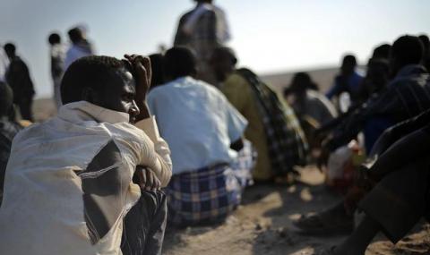 Италианската брегова охрана спаси 700 имигранти от товарен кораб - 1