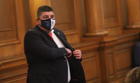 Ивайло Мирчев, ДБ: Не мисля, че Трифонов е политически страхливец, знам кой го е страх да дойде в парламента