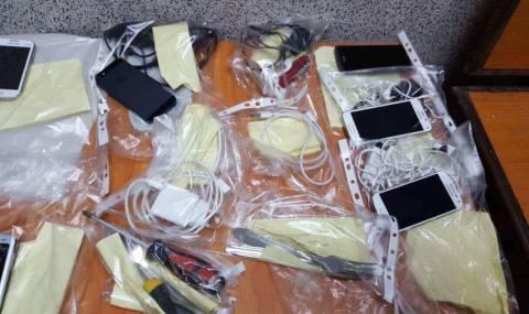 Откриха смартфони, ножове и алкохол в Софийския затвор - 2