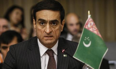 Не им пука! В Туркменистан продължават с мачовете