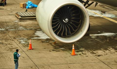 Авиационен гигант съкращава 10% от служителите си