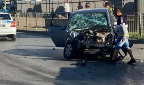 Тежка катастрофа на светофар в София - 1