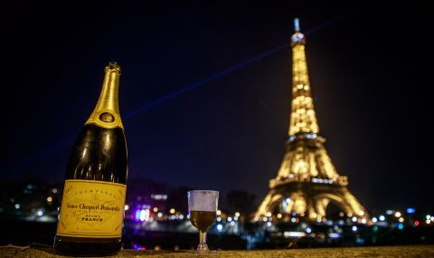 Франция може да остане напълно затворена до средата на февруари