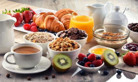 6 храни, които да избягвате преди 10 ч. сутринта