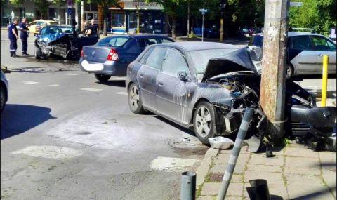 Тежка катастрофа с петима ранени в София – челен сблъсък между две коли с абитуриенти