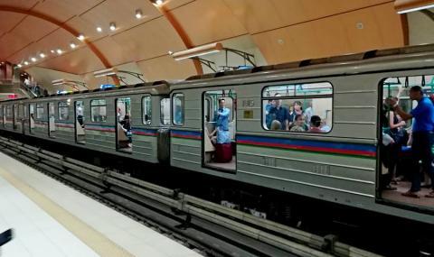 И метрото ли хакнаха? Вратите на софийското метро се отвориха към релсите