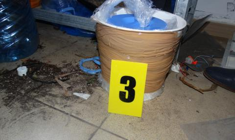 Показаха самоделните бомби на ученика от Пловдив (СНИМКИ) - 15