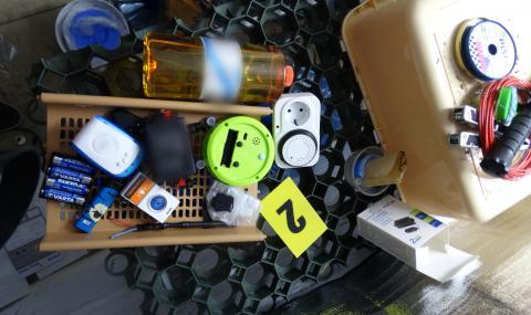 Показаха самоделните бомби на ученика от Пловдив (СНИМКИ) - 17