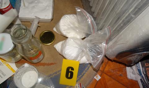 Показаха самоделните бомби на ученика от Пловдив (СНИМКИ) - 7