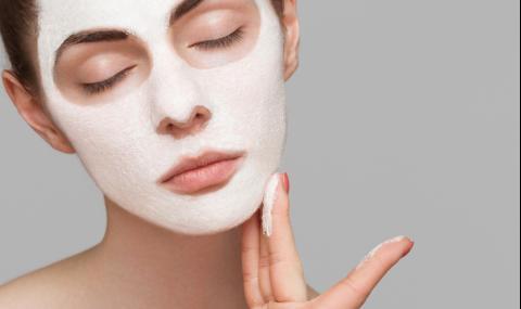 Евтина домашна маска, която ще ви подмлади с 10 години