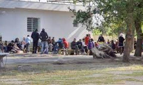 """Капацитетът на Сигурната зона в бежанския център на """"Военна рампа"""" е завишен с над 100% - 1"""