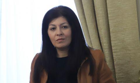 Севделина Арнаудова за протеста срещу Борисов: Мутренско поведение! Как имате очи да гледате семействата си?