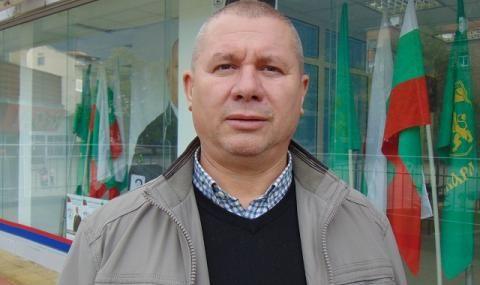 Ген. Шивиков: Хората не искаха Мая Манолова на площада, а тя се вживява в ролята на Райна Княгиня