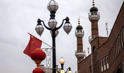 Китай подкрепя действията на Владимир Путин