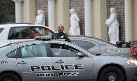 В САЩ убиха тийнейджър при кавга на опашка за билети за атракцион - 1