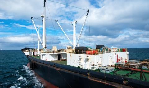 Северна Корея задържа руски кораб