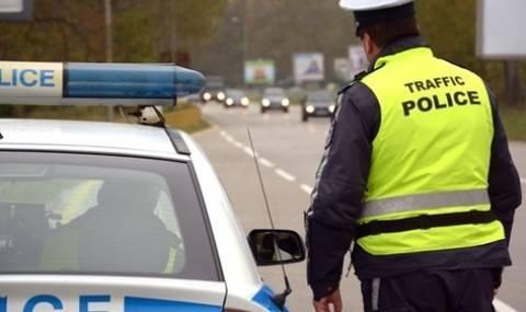"Осъдиха жена шофьор за ""почерпка"" на полицаи"
