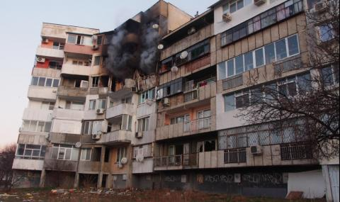 Приключи почистването във взривения блок във Варна