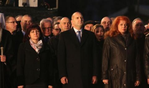 Караянчева: Тълпата, поведена от Радев, оскверни паметта на Левски