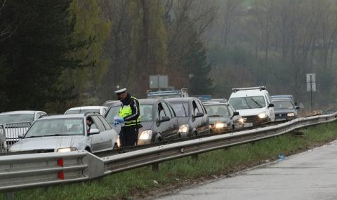 Верижна катастрофа на КПП до Лозен, има пострадал