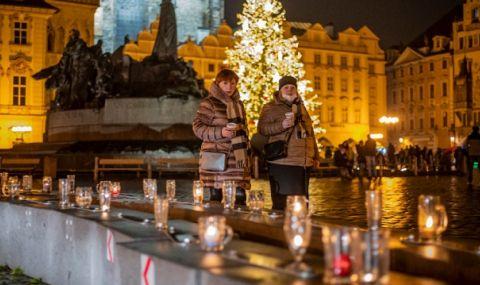 Прага протестира срещу ограниченията с верига от бирени чаши