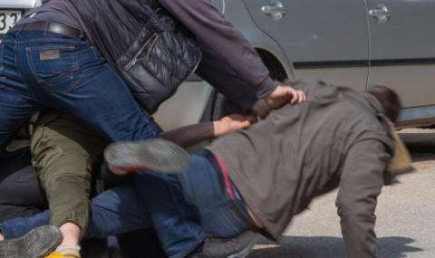 Мъж в болница след бой в центъра на Русе
