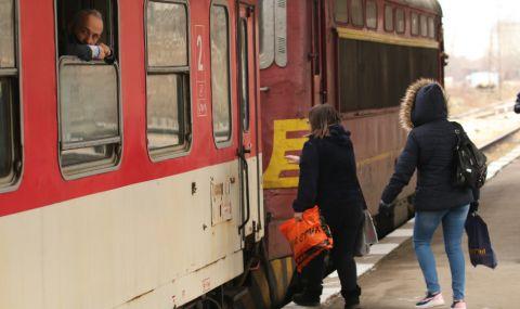Пътник без билет се нахвърли на жена – началник на влака