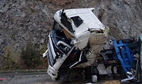 Челна катастрофа с ТИР край Монтана