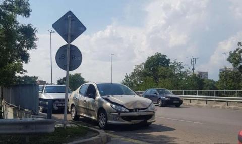 """Три коли се размазаха на надлез """"Надежда"""""""