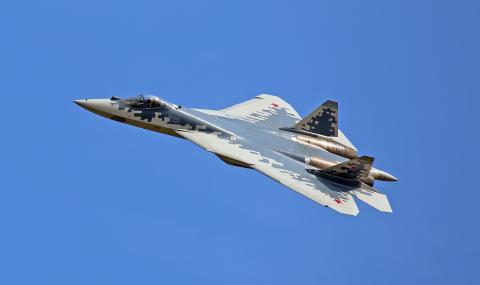 Руският изтребител Су-57 става стелт