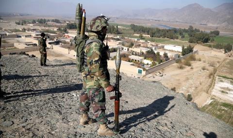 НАТО: Пътят към мира в Афганистан ще е дълъг и труден