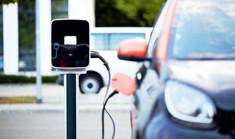 Нова батерия удължава пробега на електромобилите до 2000 км
