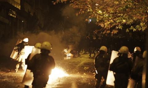 Гърция отново не заспа (СНИМКИ)