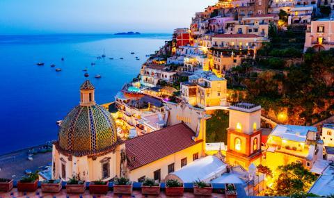 Безпрецедентен срив в туристическия сектор