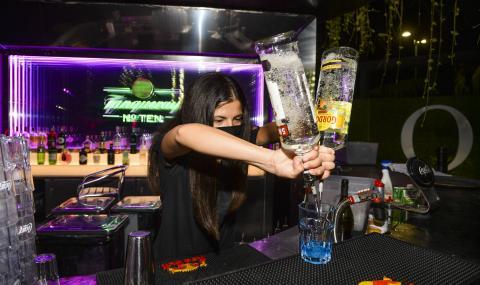 Заповед: Край на частните партита, баровете ще затварят в полунощ